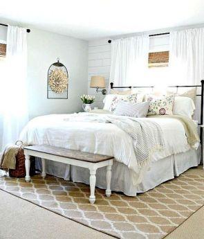 Casual vintage farmhouse bedroom ideas 14