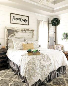 Casual vintage farmhouse bedroom ideas 16