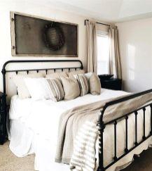 Casual vintage farmhouse bedroom ideas 25