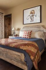 Casual vintage farmhouse bedroom ideas 31