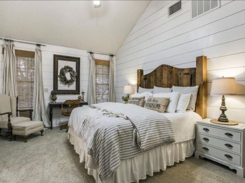 Casual vintage farmhouse bedroom ideas 38