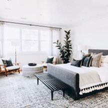 Cozy farmhouse master bedroom decoration ideas 08