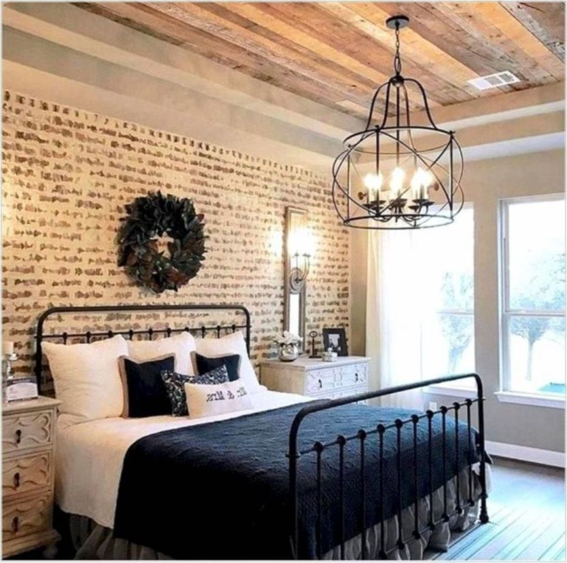 Cozy farmhouse master bedroom decoration ideas 14