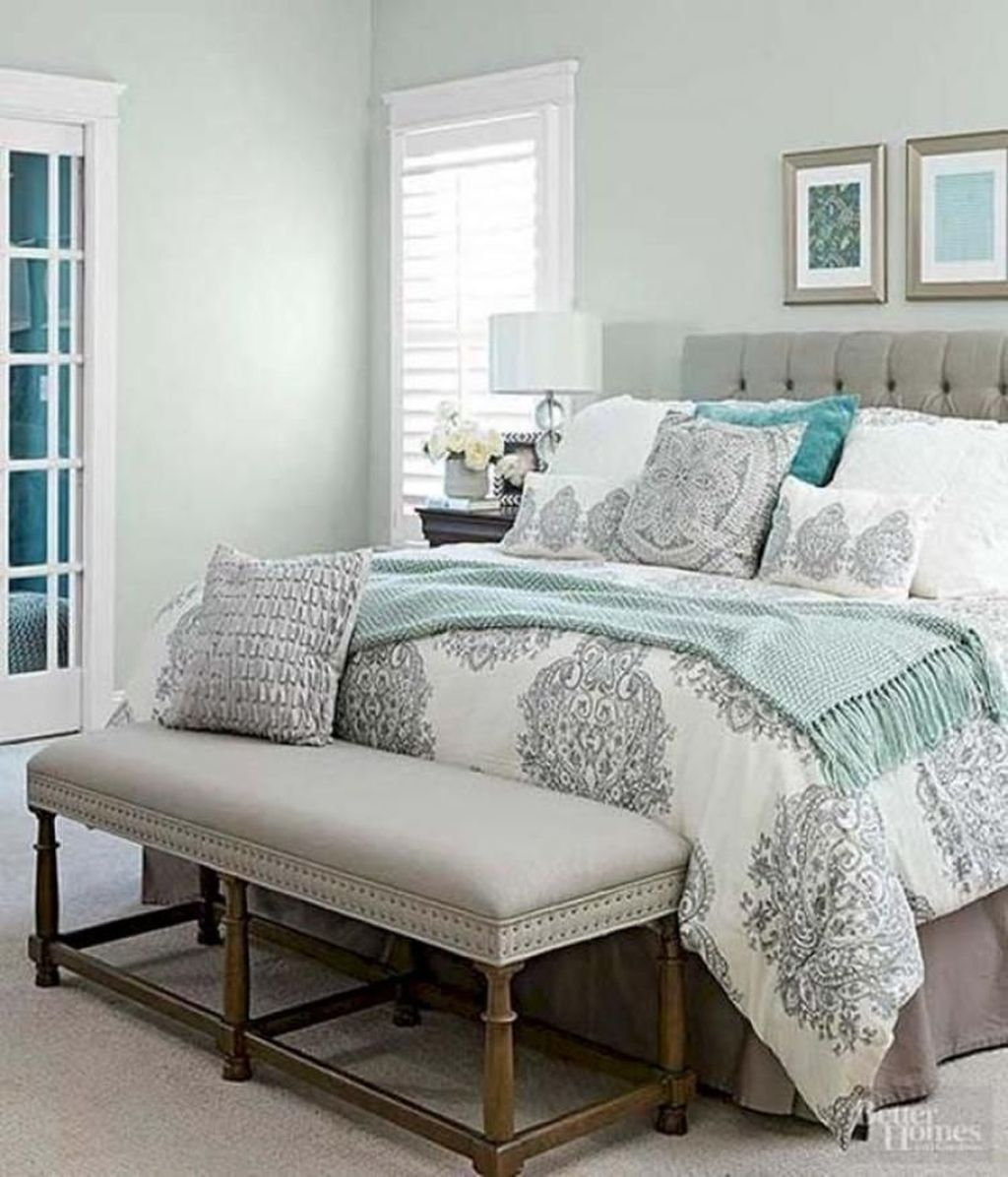 Cozy farmhouse master bedroom decoration ideas 18