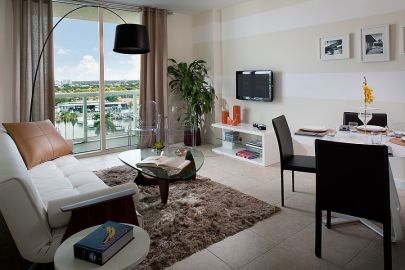 Fascinating striped walls living room designs ideas 12