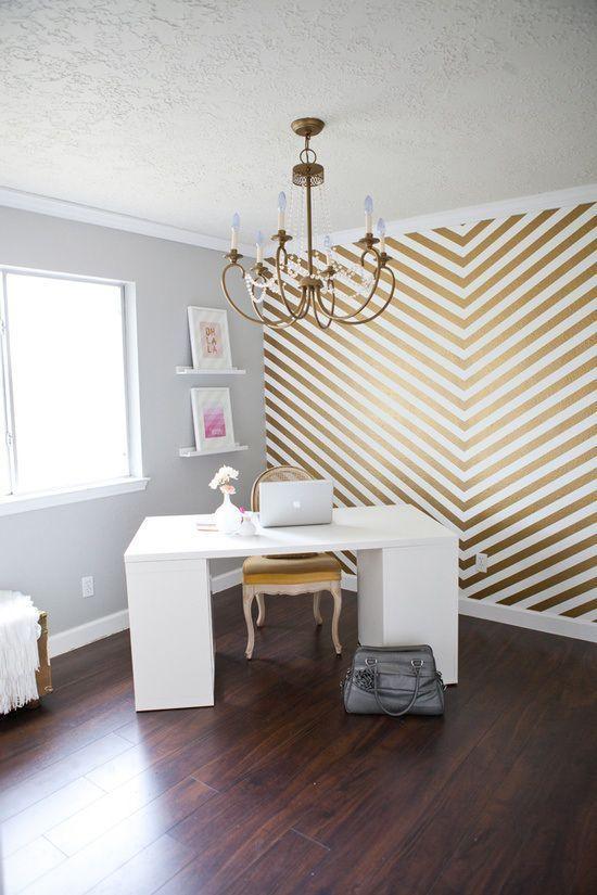 Fascinating striped walls living room designs ideas 14