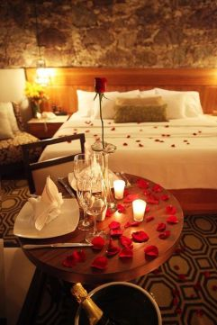 Inspiring valentine bedroom decor ideas for couples 02