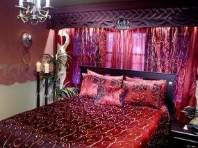 Inspiring valentine bedroom decor ideas for couples 23