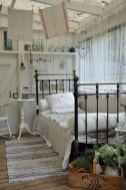 Lovely white bedroom decorating ideas for winter 02