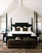 Lovely white bedroom decorating ideas for winter 27