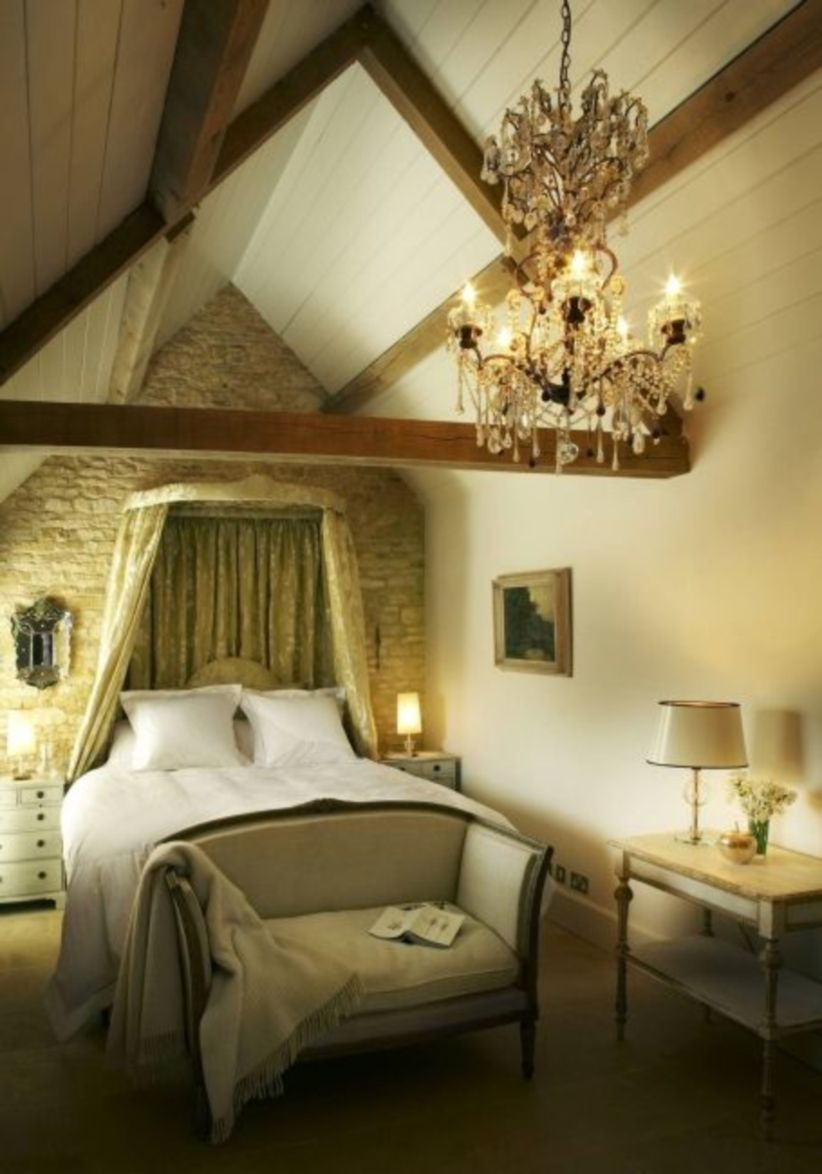 Pretty bedroom designs ideas with exposed wooden beams 03