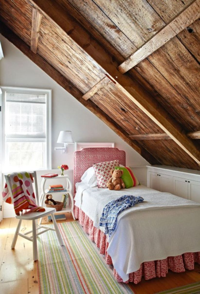 Pretty bedroom designs ideas with exposed wooden beams 07