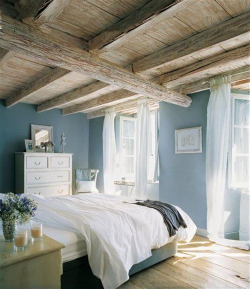 Pretty bedroom designs ideas with exposed wooden beams 15