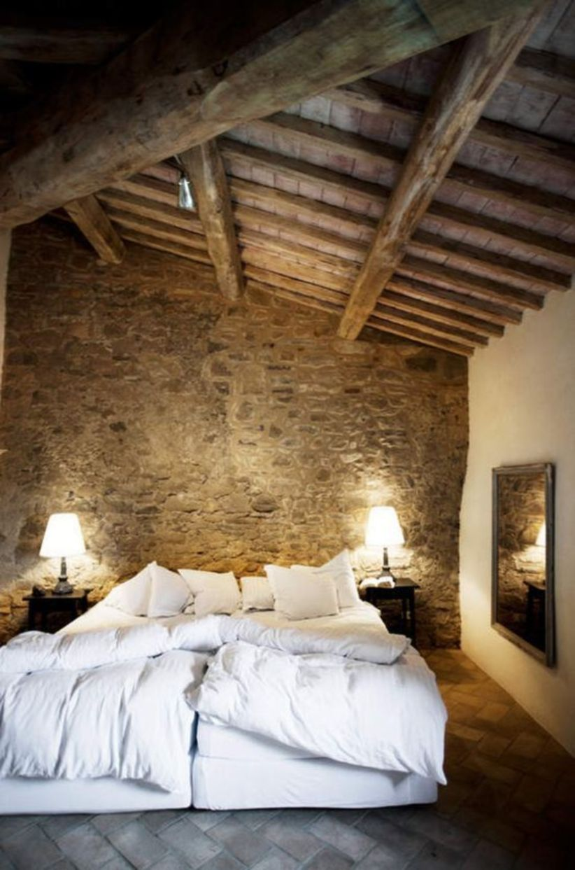 Pretty bedroom designs ideas with exposed wooden beams 32