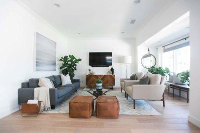 Stylish coastal living room decoration ideas 16