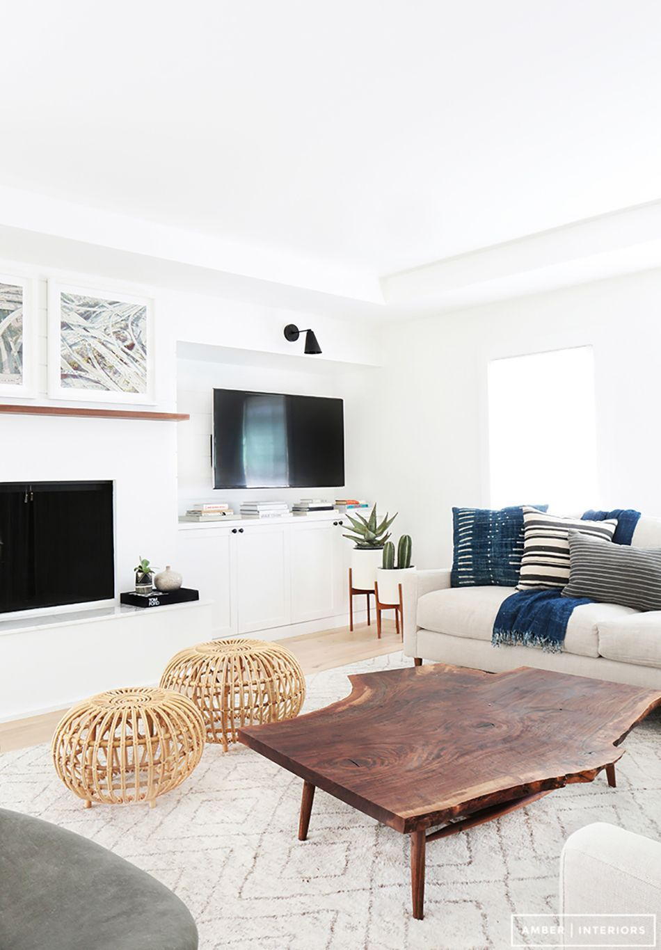 Creative coffee table design ideas for living room 22