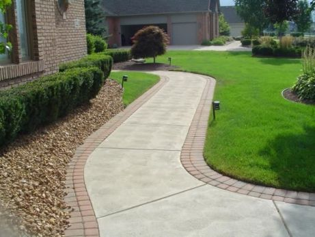 Elegant backyard landscaping ideas using bricks 08