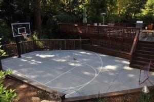 Elegant backyard landscaping ideas using bricks 18