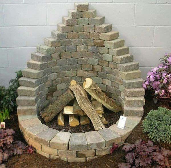 Elegant backyard landscaping ideas using bricks 29