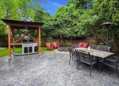 Elegant backyard landscaping ideas using bricks 30