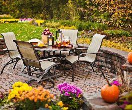 Elegant backyard landscaping ideas using bricks 35