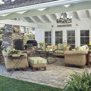 Elegant backyard landscaping ideas using bricks 36