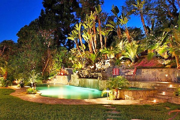 Gorgeous night yard landscape lighting design ideas 36