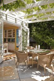 Modern small outdoor patio design decorating ideas 25