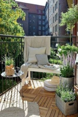Modern small outdoor patio design decorating ideas 52