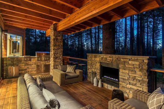 Romantic rustic outdoor kitchen designs with fireplace 41