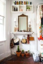Adorable simple entryway decorating ideas for small spaces 19