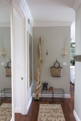 Adorable simple entryway decorating ideas for small spaces 42