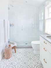 Affordable bathtub design ideas for classy bathroom 21