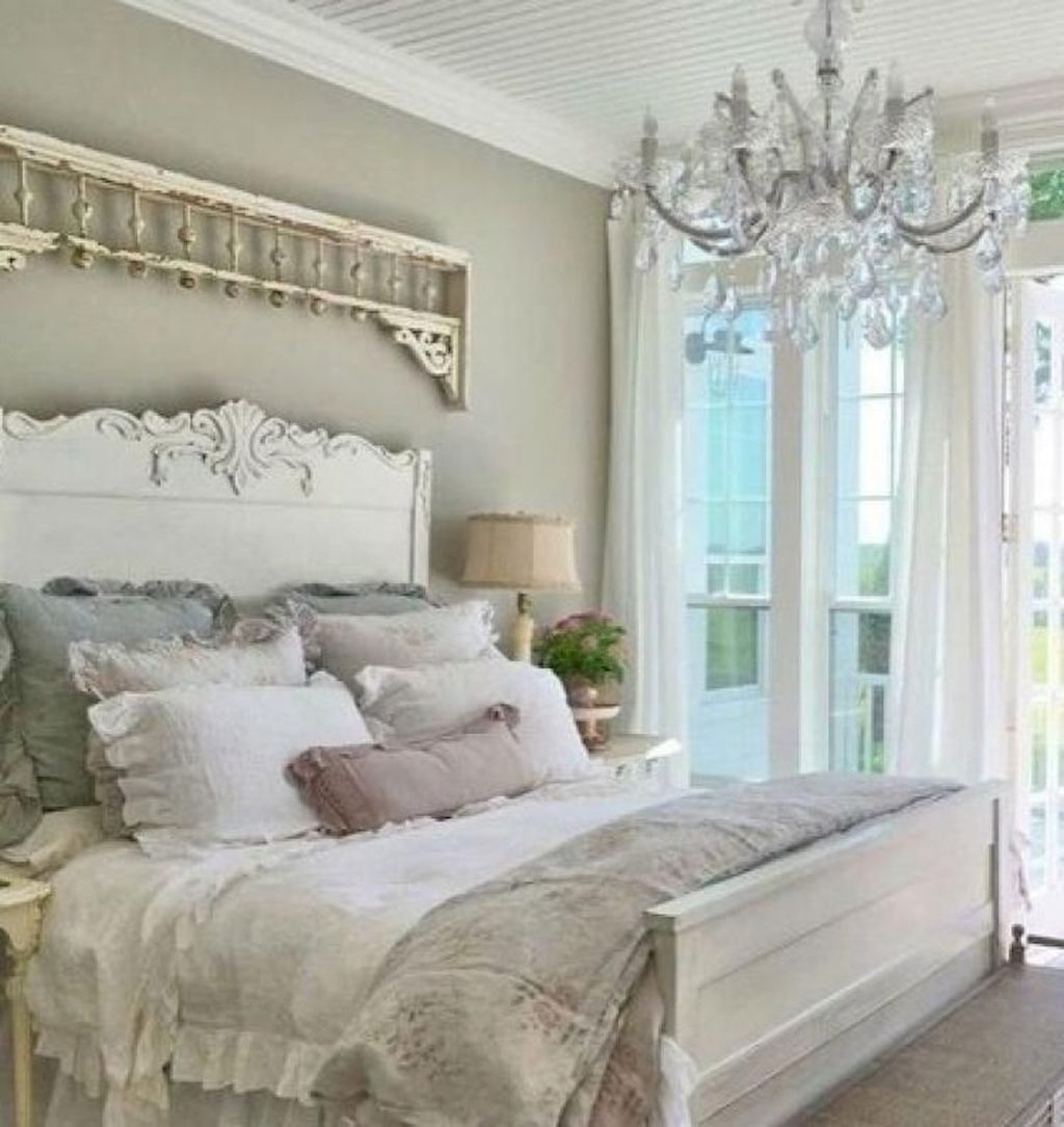 Awesome french style bedroom decor ideas 06