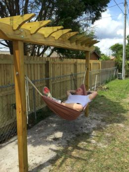 Best backyard hammock decor ideas 31