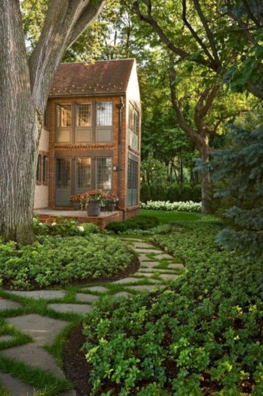 Comfy green country backyard remodel ideas 09
