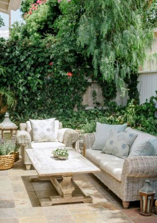 Comfy green country backyard remodel ideas 22