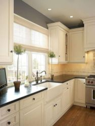 Cozy color kitchen cabinet decor ideas 11
