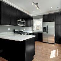 Cozy color kitchen cabinet decor ideas 23