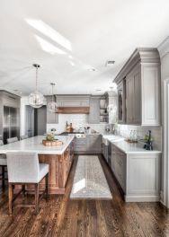 Cozy color kitchen cabinet decor ideas 25