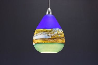 Fascinating colorful glass pendant lamps ideas for your kitchen 15