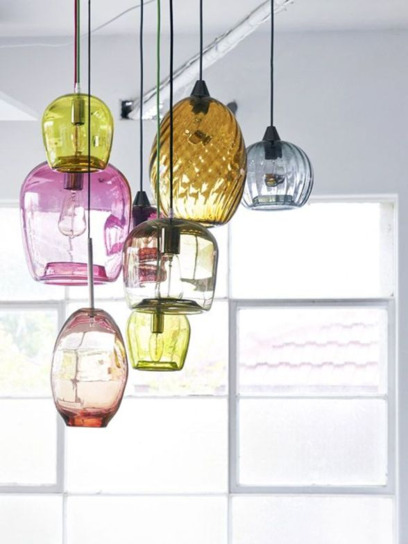 Fascinating colorful glass pendant lamps ideas for your kitchen 22