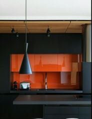 Fascinating colorful glass pendant lamps ideas for your kitchen 34