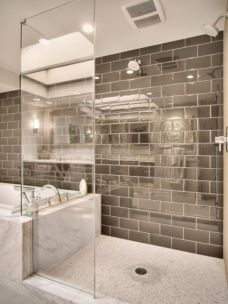 Perfect master bathroom design ideas for small spaces 38