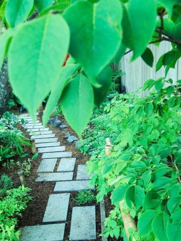 Stunning landscape pathways ideas for your garden 20
