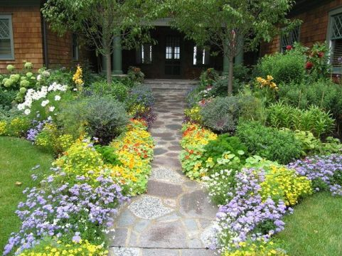 Stunning landscape pathways ideas for your garden 40