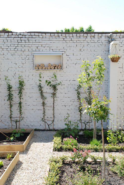 Stunning landscape pathways ideas for your garden 43