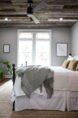 Unique white minimalist master bedroom design ideas 11