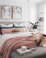 Unique white minimalist master bedroom design ideas 13
