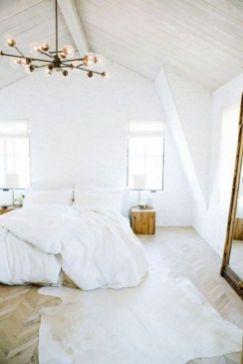 Unique white minimalist master bedroom design ideas 17